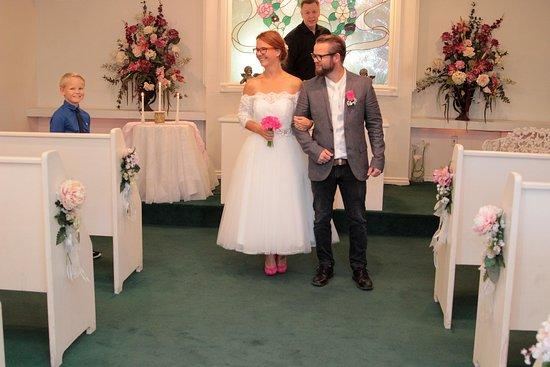 Cupids Wedding Chapel Et Glad Treklover 3 Mor Far Og Sonnike