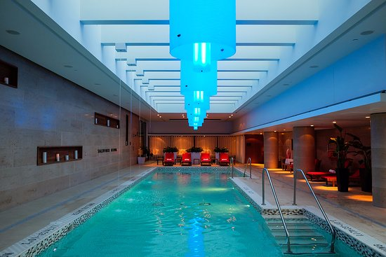 Shangri la hotel toronto updated 2018 prices reviews for Pool show toronto 2018