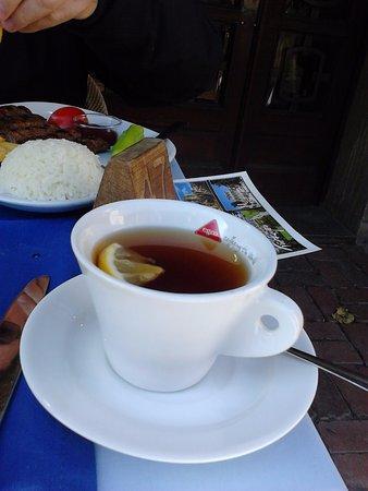 The sultan Pub: Чай в нормальных чашках