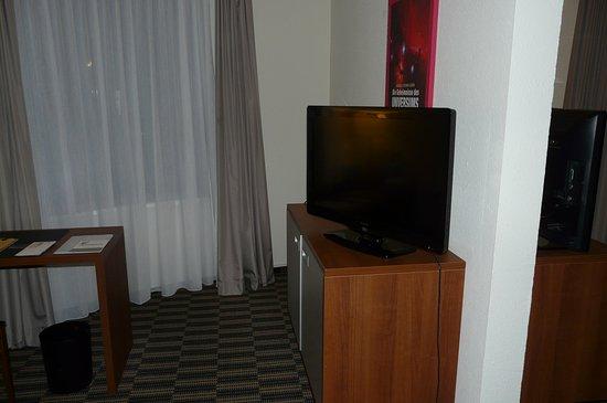Fernseher im Schlafzimmer - Bild von Mercure Hotel Hamburg ...