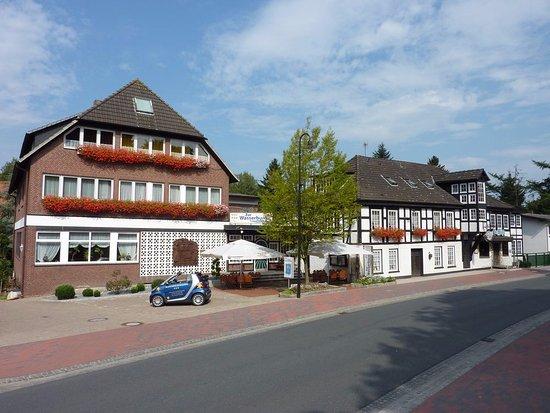AKZENT Hotel Zur Wasserburg_Harpstedt_Außenansicht des Hotels