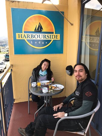 Harbourside Motor Lodge: Breakfast on the balcony