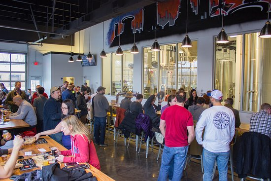 Main taproom at Sibling Revelry in Westlake