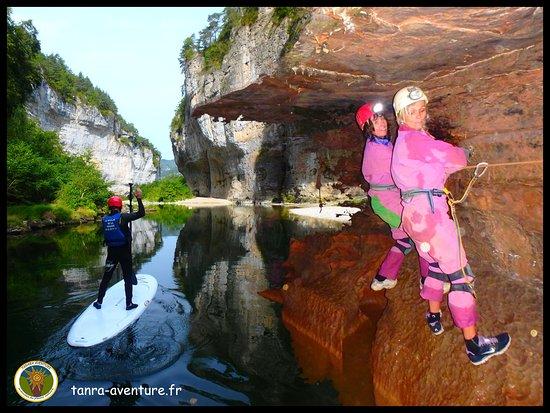Tanara Aventure: Stand up paddle et spéléologie au coeur des gorges du Tarn