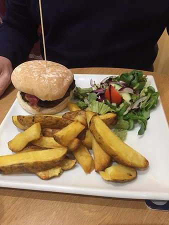 Pentre Halkyn, UK: Burger and chips, the plate was massive