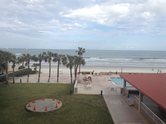 Holiday Inn Hotel & Suites Daytona Beach: Our view..