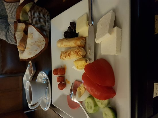 All Day Istanbul Hotel: 20161204_090357_large.jpg