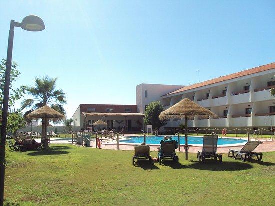 Hotel pradillo conil bewertungen fotos preisvergleich for Piscina pradillo