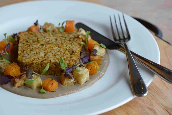 South Molton, UK: Carrot and cashew nut roast, mushroom and brandy cream sauce, roatsed winter vegetables