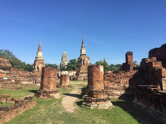 Wat Phra Si Sanphet (帕席桑碧寺) - Picture of Ayutthaya ...