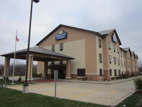 Days Inn & Suites Carbondale: Days Inn and Suites Exterior Photo