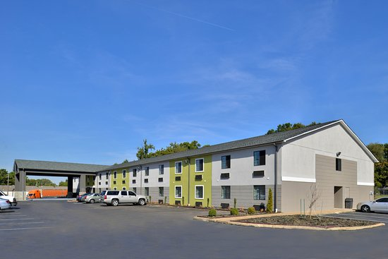 Americas Best Value Inn - Memphis / Airport