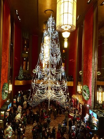 christmas spectacular starring the radio city rockettes lobby radio city music hall before the rockettes