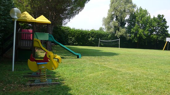 Immagini idea di giochi per giardino bambini con giochi da esterno