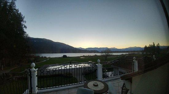 Harrison Mills, Canada: sunrise treat