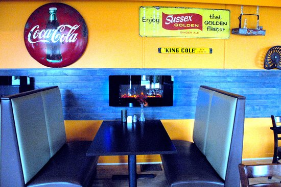 Sussex, Canada: Loved the tableside fireplaces