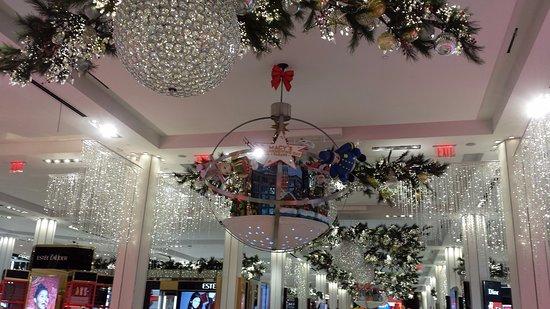 Macyu0027s Herald Square: Inside Macyu0027s Store