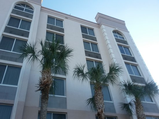 Comfort Inn & Suites: 20161204_161624_large.jpg