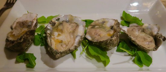 Montchanin, DE: Oysters on the Half Shell