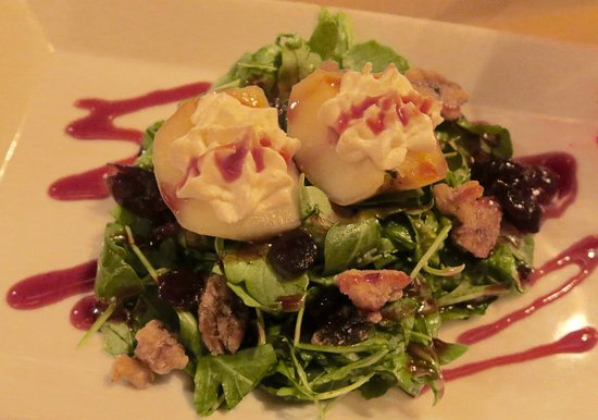 Montchanin, DE: Poached Apple Salad