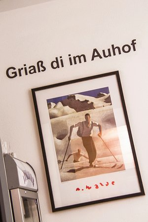 Auhof: Herzlich Willkommen, Welcome