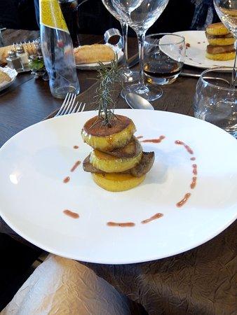 Nezignan l'Eveque, França: Merci au chef Adil pour ces repas délicieux !