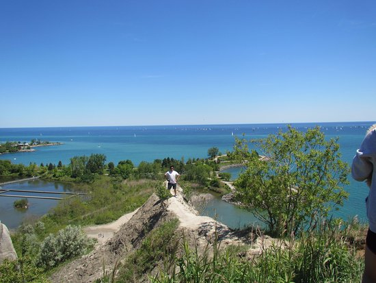 Scarborough Bluffs: go to the edge at your own risk!