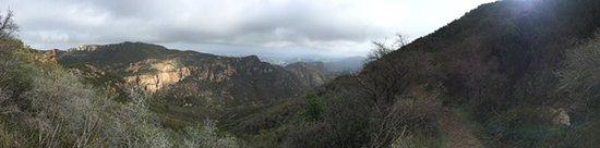 Backbone Trail: Sandstone peak