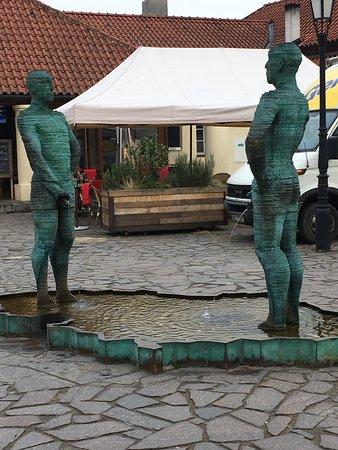 Piss Sculpture: Scuipture