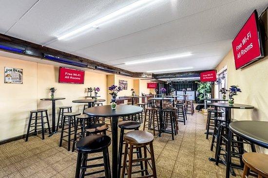 Awesome Red Roof Inn U0026 Suites Pigeon Forge   Parkway $59 ($̶7̶0̶)   UPDATED 2017  Prices U0026 Hotel Reviews   TN   TripAdvisor