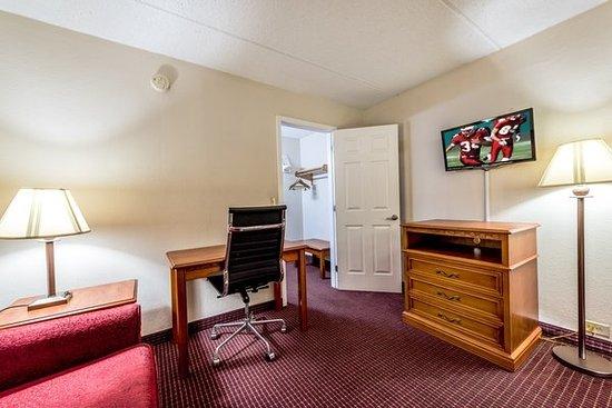 Red Roof Inn U0026 Suites Pigeon Forge   Parkway