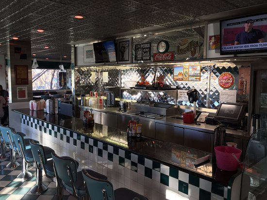 Moonlight Diner: counter seating