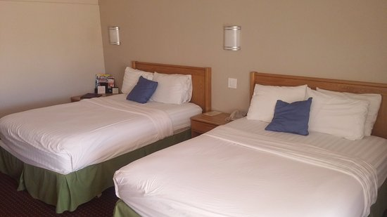 Ramada Grand Junction: Newly remodeled room with two Queen Size Beds