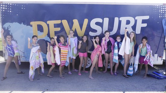 DFW Surf : Girl Scouts learning how to paddleboard