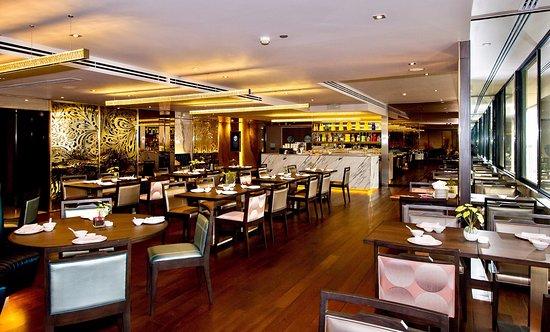 Emporium Suites by Chatrium: New Emporia Restaurant