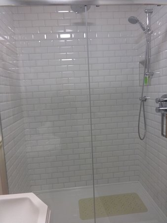 Pax Guest House Incredibly Large Shower With Handheld Showerhead Plus Rain