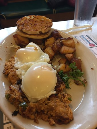 Hanover, Nueva Hampshire: Went for a weekend breakfast and yes there was a line. Food was delicious. Our server was great.