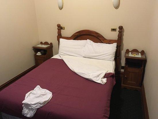 O'Malley's Hotel: photo0.jpg