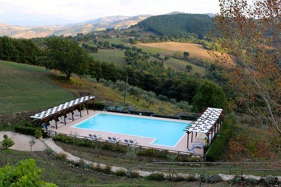 Carbonesca, Italia: The pool is so beautiful!