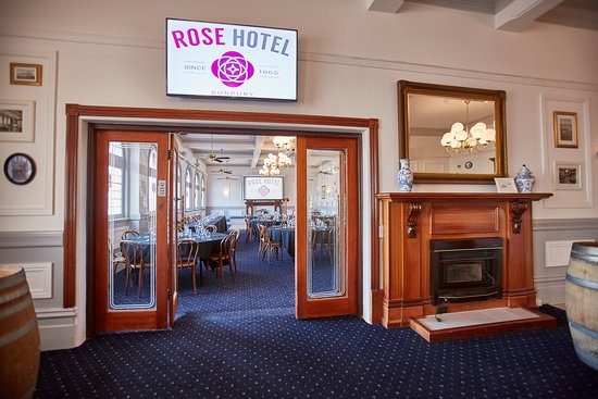 Rose Hotel & Motel: Ballroom and Lounge