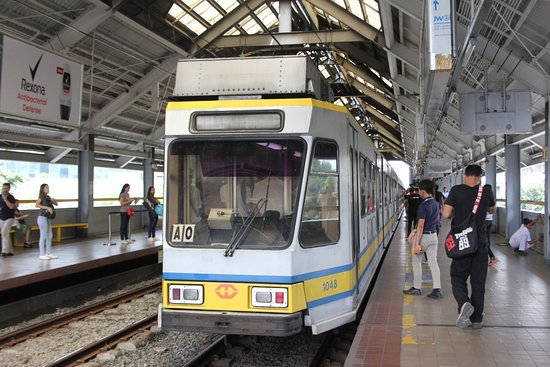 lrt manila Popular in other countries, the light rail transits (lrt) are almost the same here in manila, though there are fewer options to go for they are, more often than not, the easiest and fastest way to go from one place to the other.