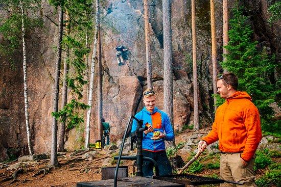 Kouvola, Suomi: Rock climbing in Repovesi