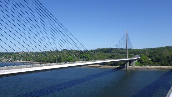 Plougastel Daoulas, France: Pont de l'Iroise : Prespective des haubanages