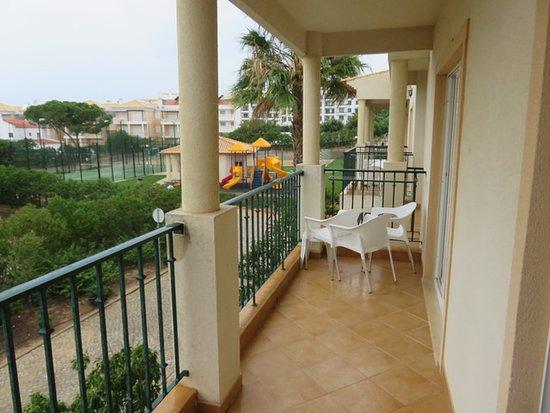 Terraza del apartamento picture of 3hb clube humbria for Terraza del apartamento