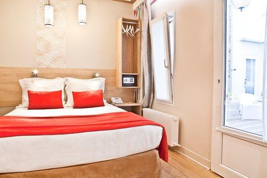 Hotel Eiffel Segur  161    U03361 U03367 U03369 U0336