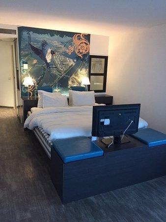 Inntel Hotels Rotterdam Centre: Hästens bed