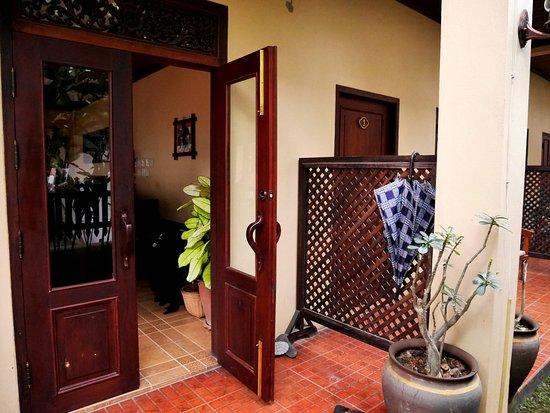 Villa Meuang Lao: Reception area