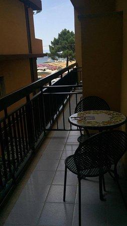 Hotel Sabbie d'Oro: almeno la posizione della camera era discreta