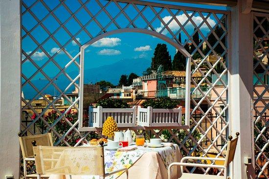 Colazione sulla Terrazza Panoramica in estate - Picture of Hotel ...