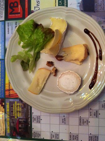 La Flocelliere, Francia: A selection of cheeses